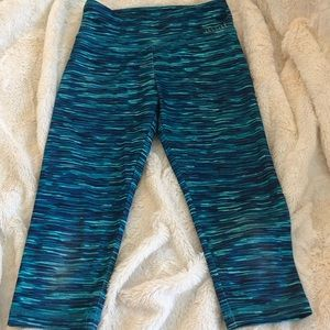 Justice Girls 8 Aqua Blue Leggings.